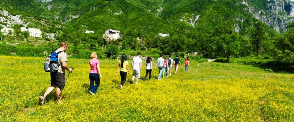 Preparation of the youth from Shengjergji as nature guide